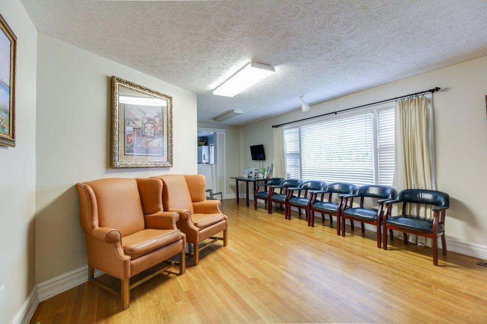 Christiansburg Dental: 601 Roanoke St, Christiansburg, VA