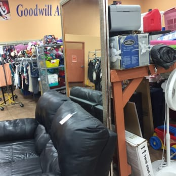 Goodwill southern nevada 35 photos 32 reviews for Southwest furniture las vegas nv