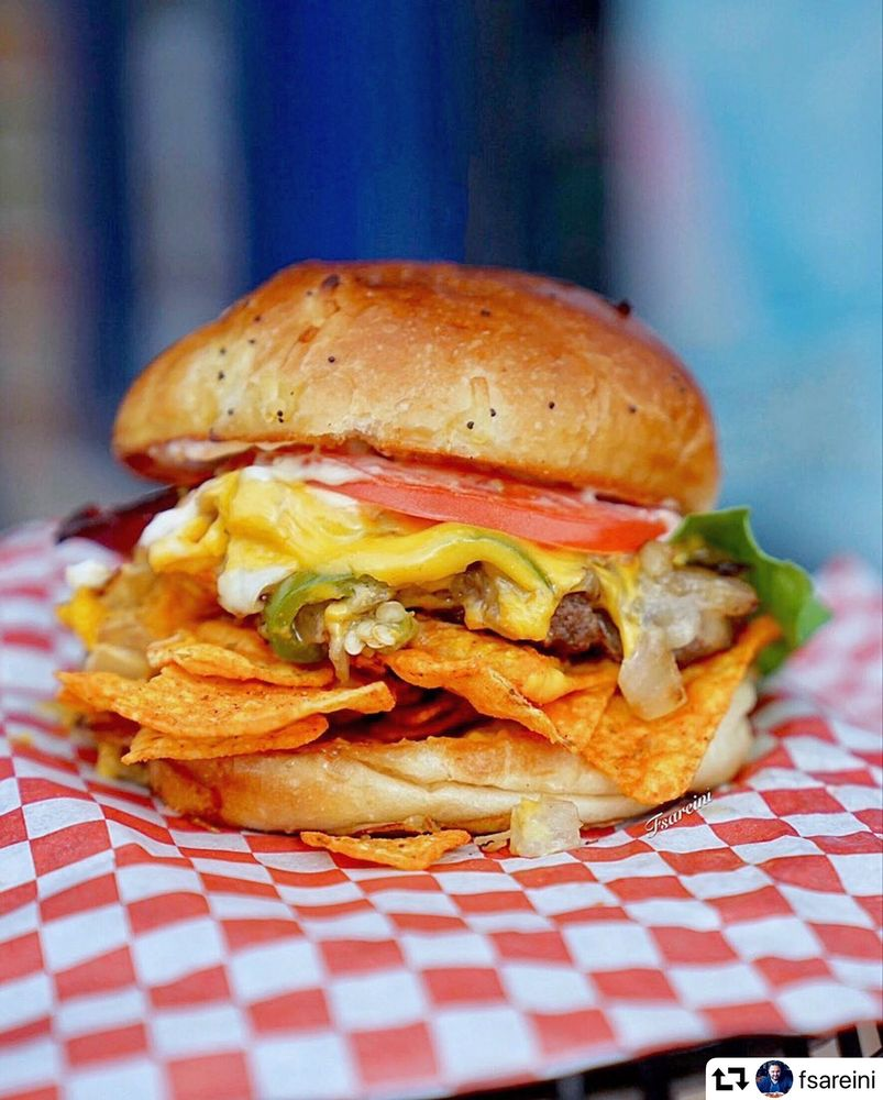 Taystee's Burgers: 26350 Ford Rd, Dearborn Heights, MI
