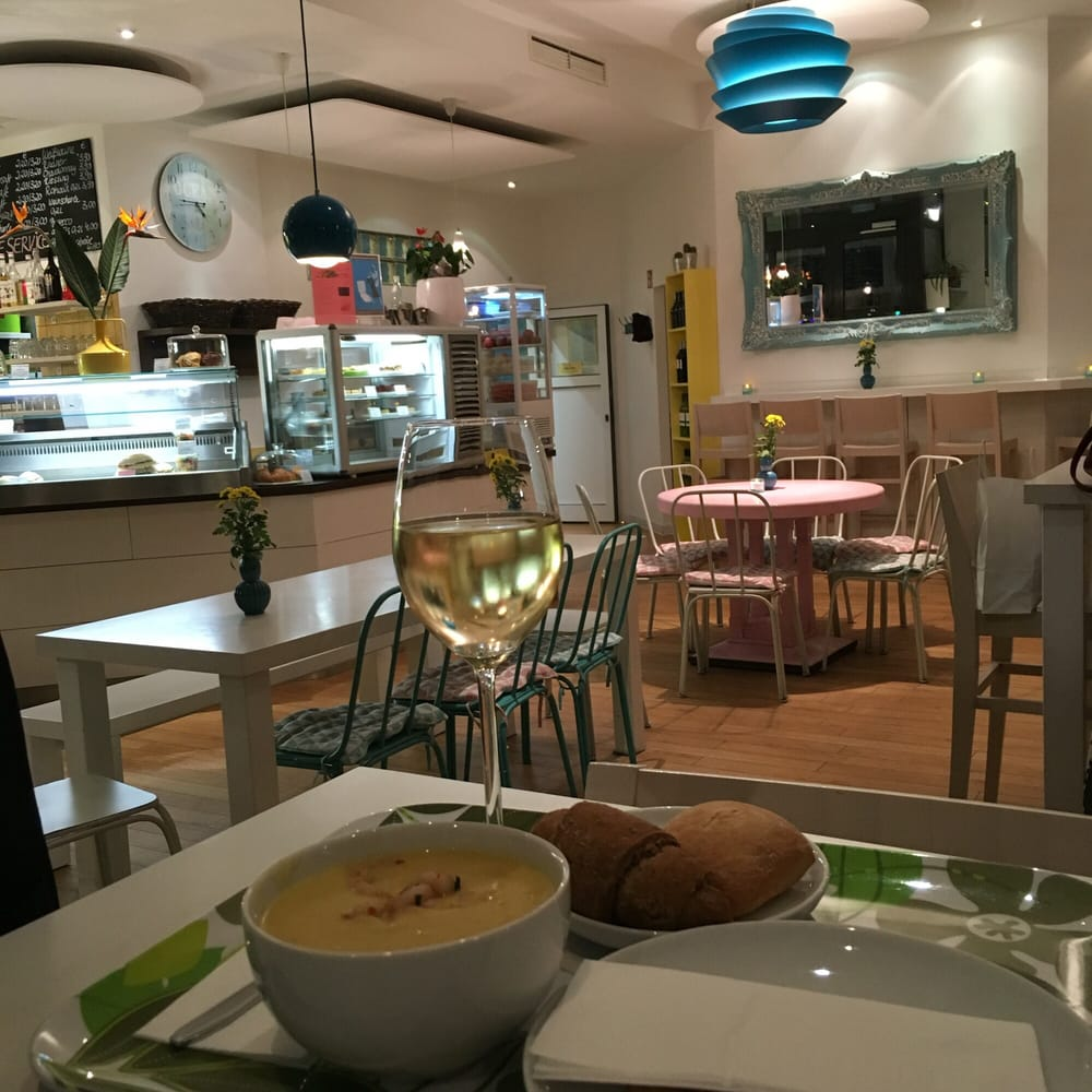 Curry soup bread and wine the perfect dinner yelp for Bar food 46 levallois