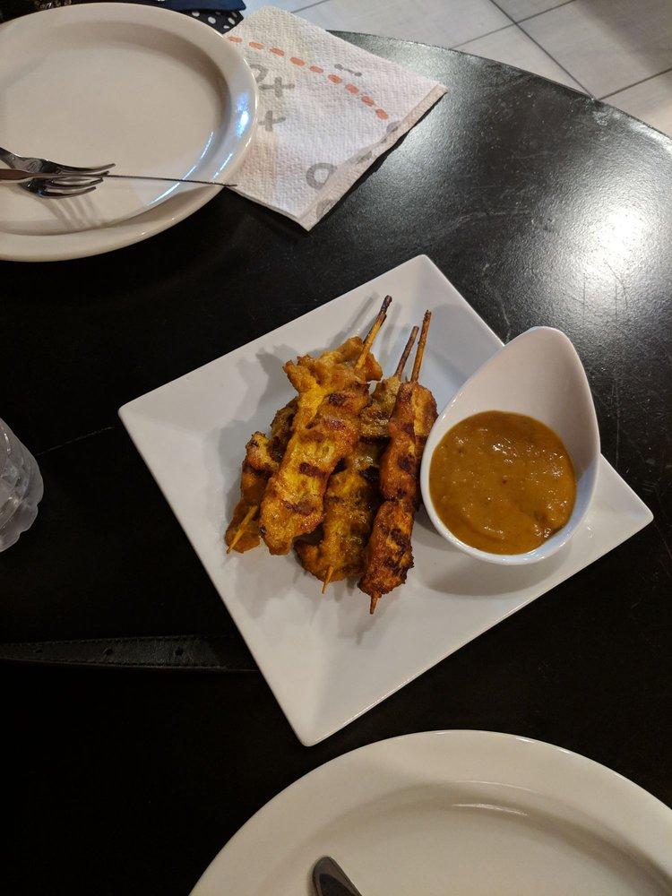 Sweet Basil Thai Cuisine: 24 W Main St, Berryville, VA