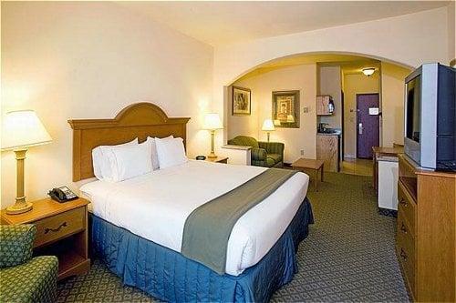Holiday Inn Express & Suites Rio Grande City: 5274 E Hwy 83, Rio Grande City, TX