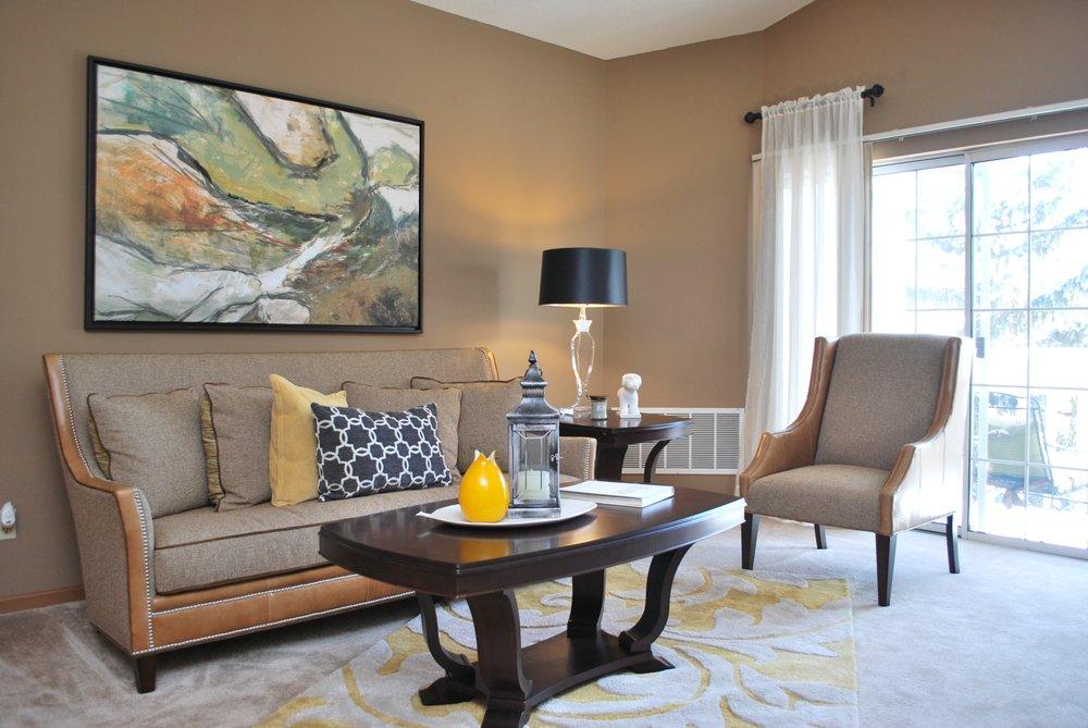 Ravinia Apartments: 4280 S Ravinia Dr, Greenfield, WI