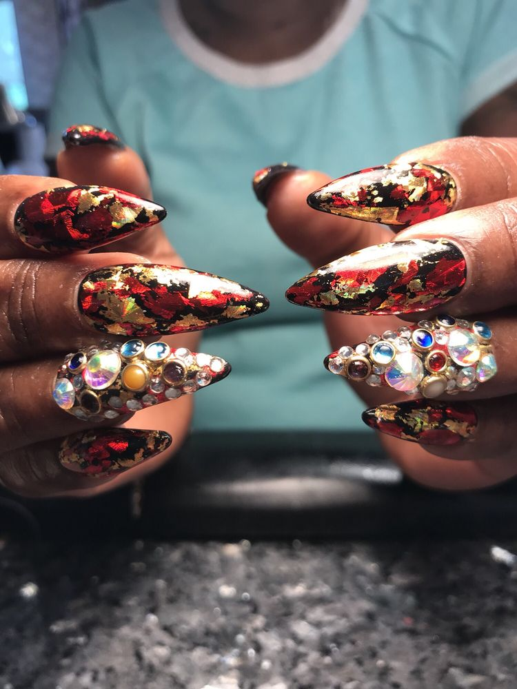 Miracle Nails: 6202 Coventry Way, Clinton, MD