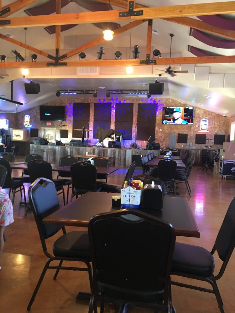 Gravity Check Saloon and Arena: 3979 Bandera Hwy, Kerrville, TX