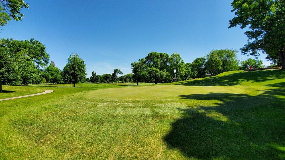 Veterans Memorial Golf Club: 2000 North Shore Dr, Clear Lake, IA