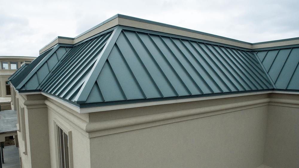 Roofing contractors pointe: 29128 Oak Creek Ln, Agoura Hills, CA