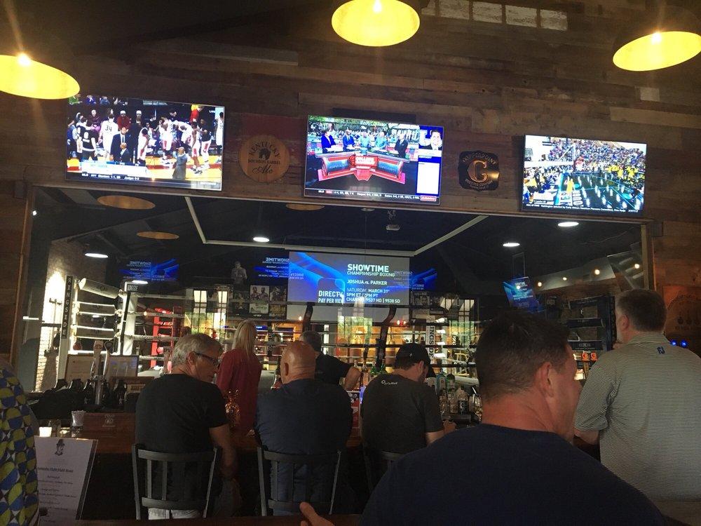 The Cornerman Pub and Lounge: 2455 N Old Dixie Hwy, Delray Beach, FL
