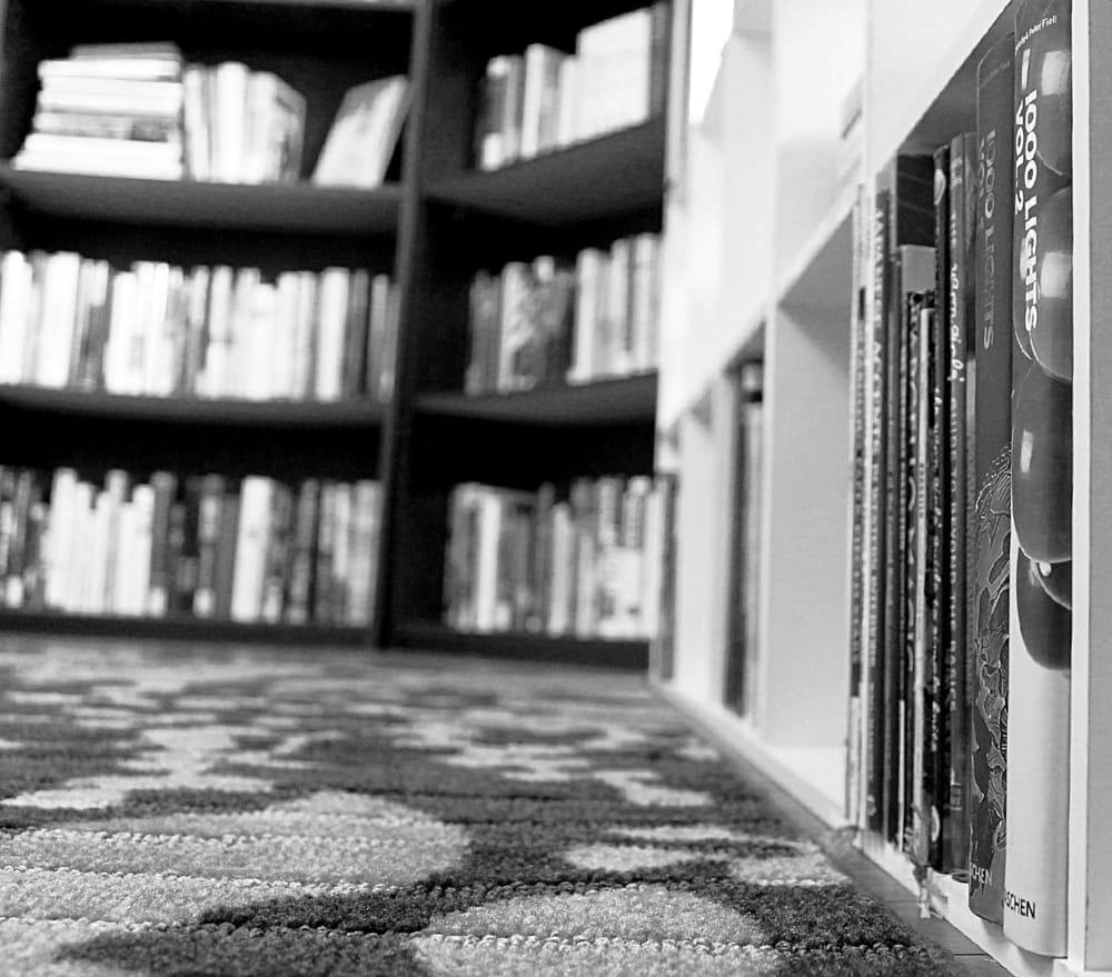 Ol' Curiosities & Book Shoppe: 133 W Claiborne St, Monroeville, AL