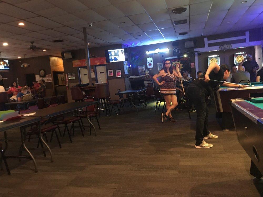 Lions Sports Bar: 4515 Fredericksburg Rd A, San Antonio, TX