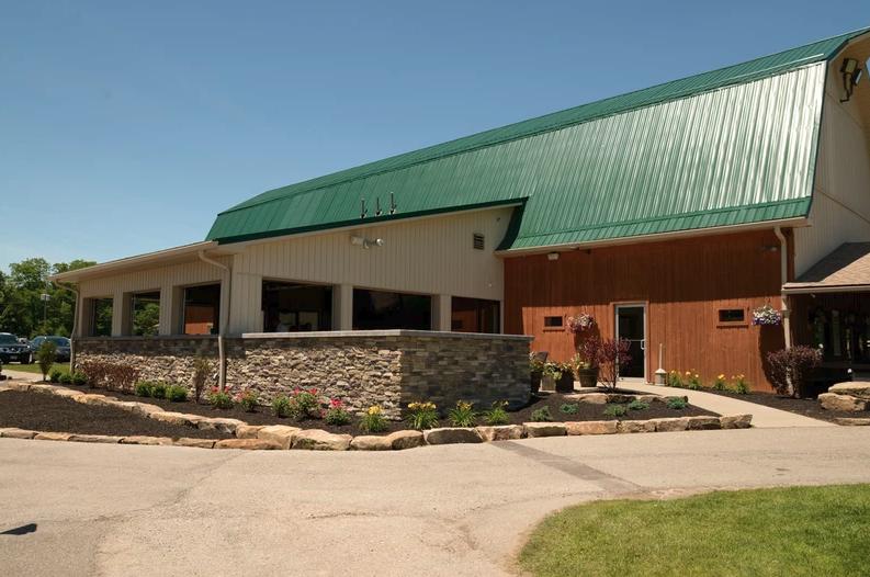 Knoll Run Golf Course: 1421 Struthers-Coitsville Rd, Lowellville, OH