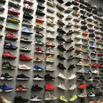 f2b5b32fed5da Flight Club - 101 Photos   189 Reviews - Shoe Stores - 535 N Fairfax ...