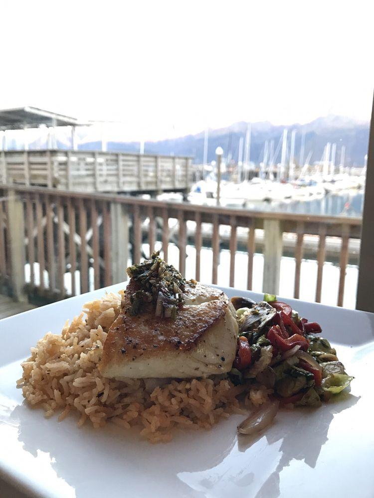 Chinooks Waterfront Restaurant: 1404 4th Ave, Seward, AK