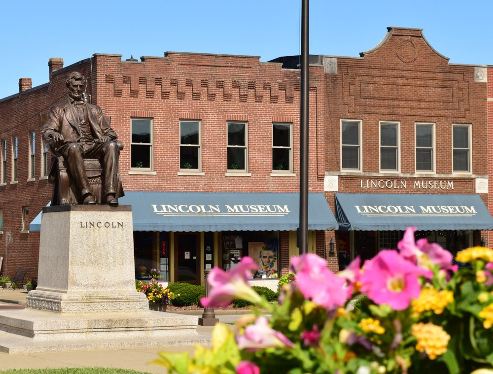 Lincoln Museum: 66 Lincoln Sq, Hodgenville, KY