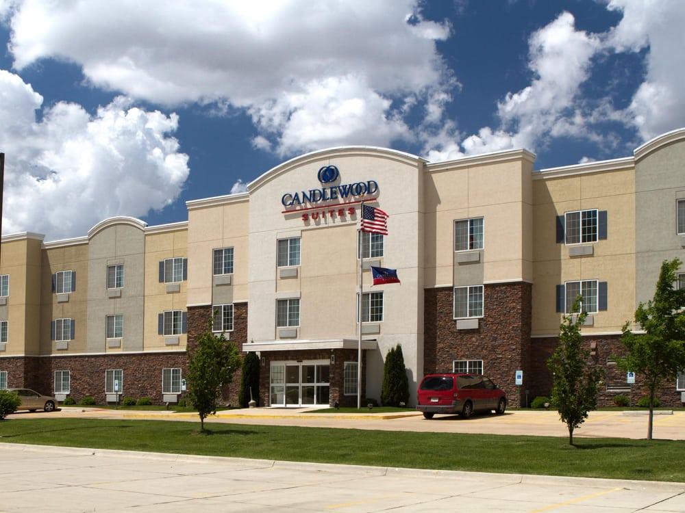 Candlewood Suites Champaign-Urbana Univ Area: 1917 Moreland Blvd, Champaign, IL