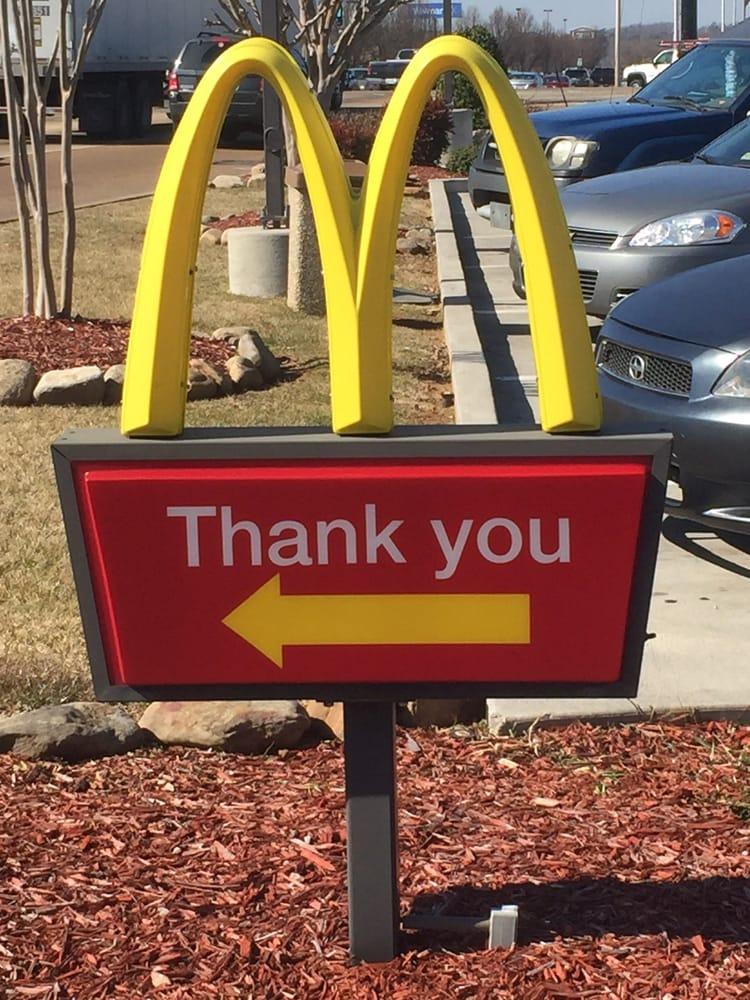 McDonald's: 8601 Hixson Pike, Hixson, TN