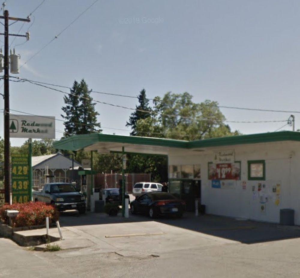 Covelo Redwood Oil Company Station: 76220 Commercial St, Covelo, CA