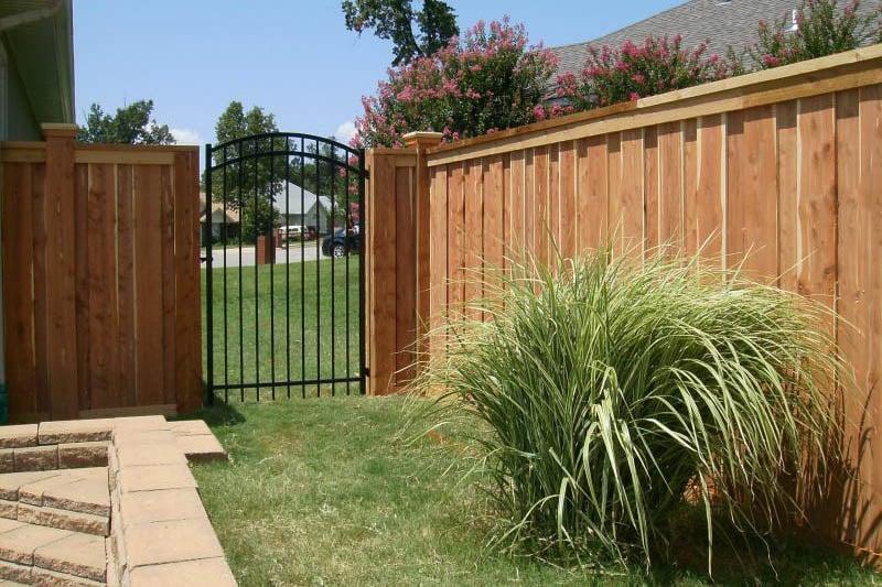 Privacy Fence: 223 W County Line Rd, Springdale, AR