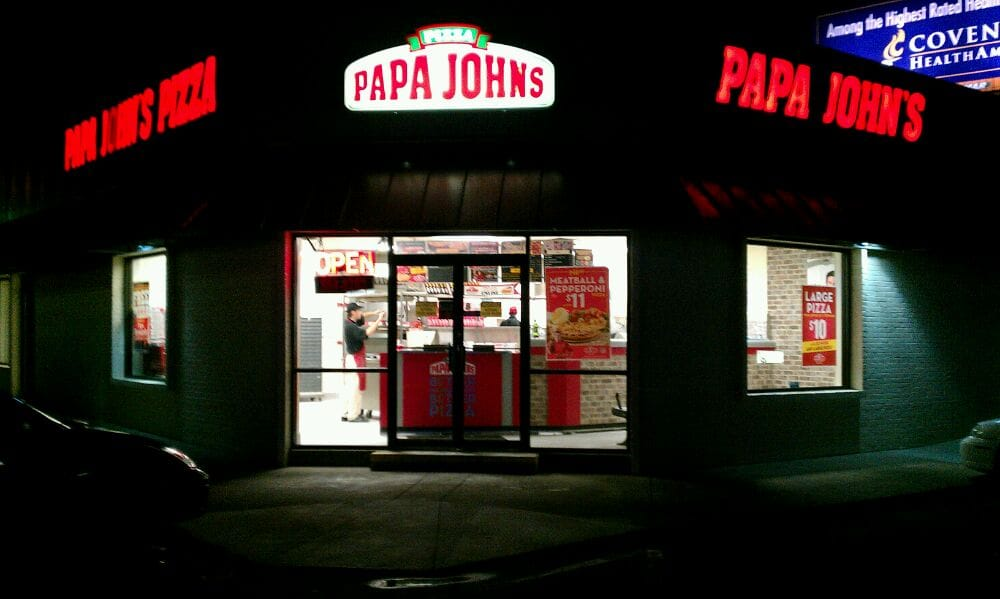 About Papa John's Pizza E Mason St. For Papa John's Pizza in Green Bay, WI, the secret to success is much like the secret to making a better pizza - the more you put into it, the more you get out of it.