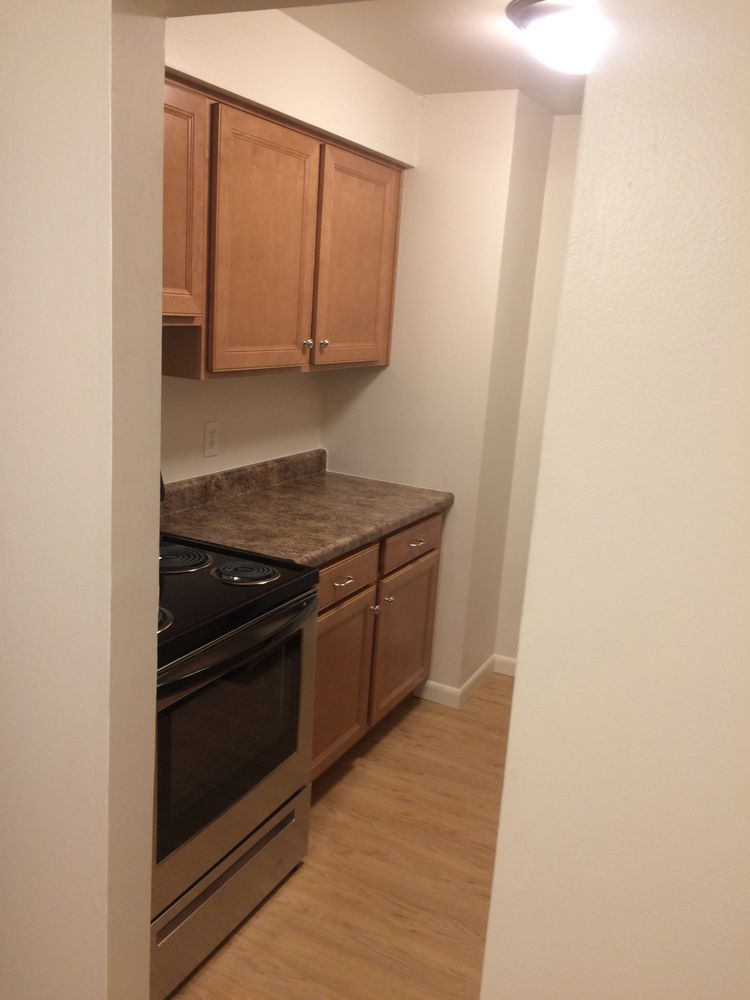 Sharon Park Manor Apartments: 447 Sharon Rd, Moon Township, PA