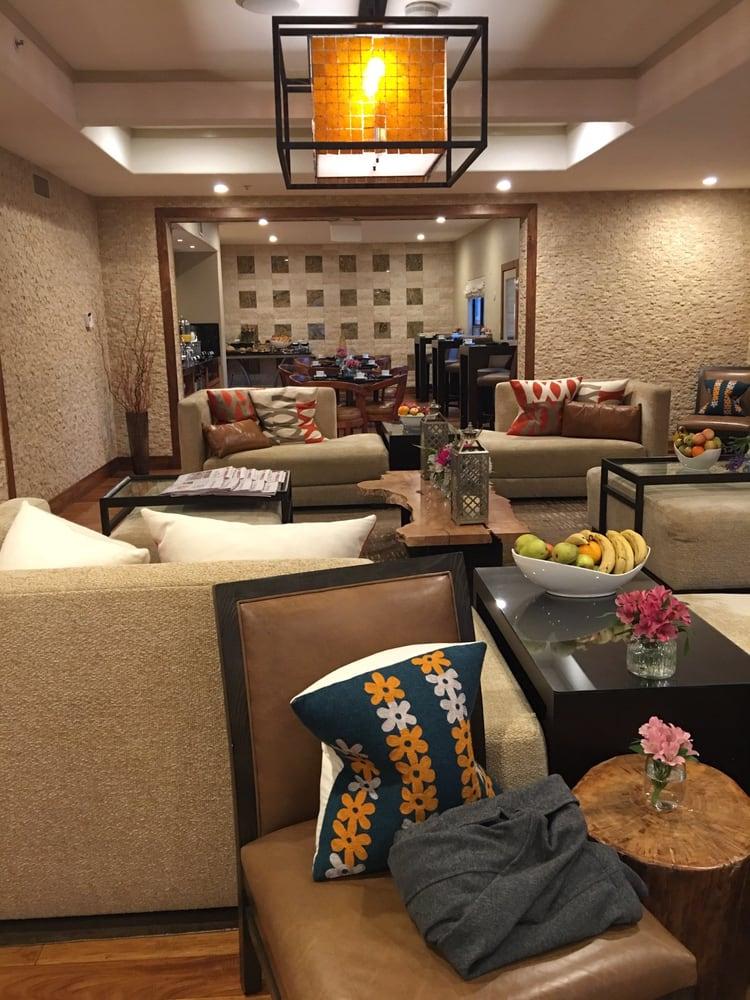 Fairmont Scottsdale Princess Gold Lounge