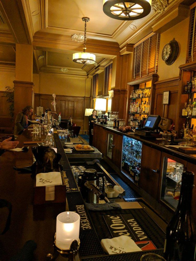 Polar Bar: 700 3rd Ave, Seattle, WA