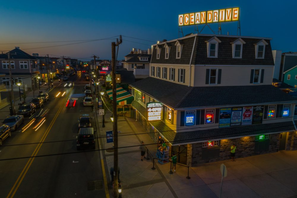 Ocean Drive Bar & Restaurant: 3915 Landis Ave, Sea Isle City, NJ