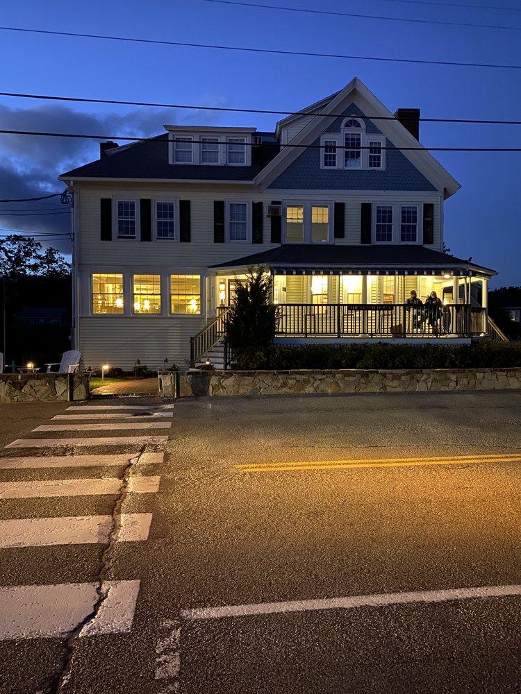 The Beach House Inn: 211 Beach Ave, Kennebunk, ME