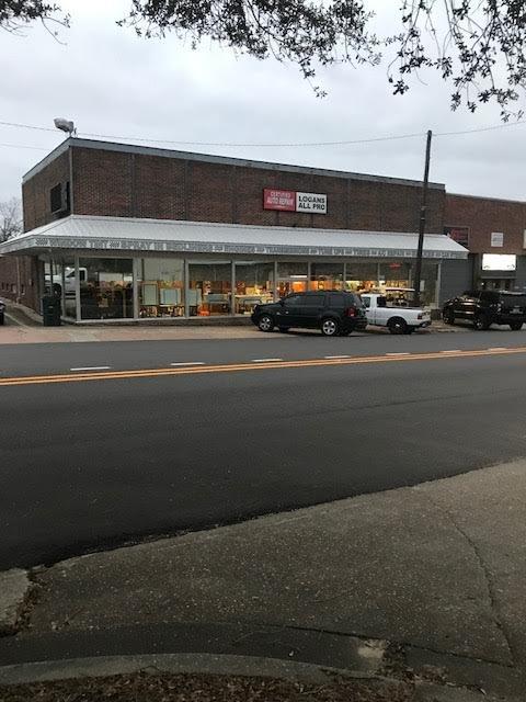Logan's All Pro Tint ,Tires & Accessories: 171 N Union Ave, Ozark, AL