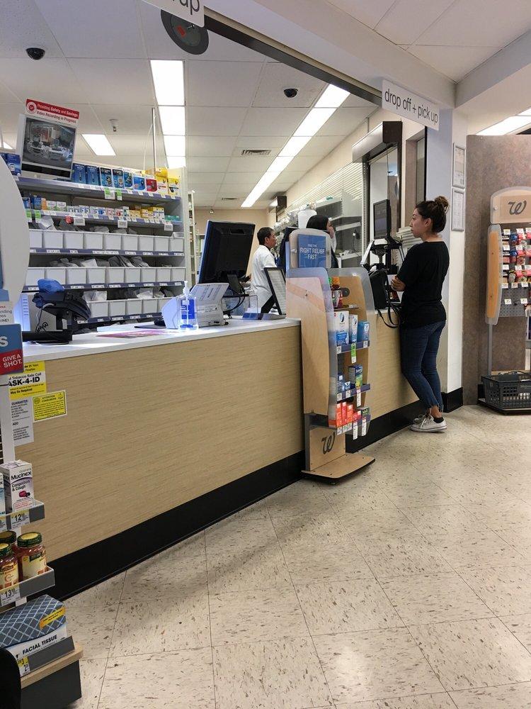 Walgreens: 4170 El Camino Real, Palo Alto, CA