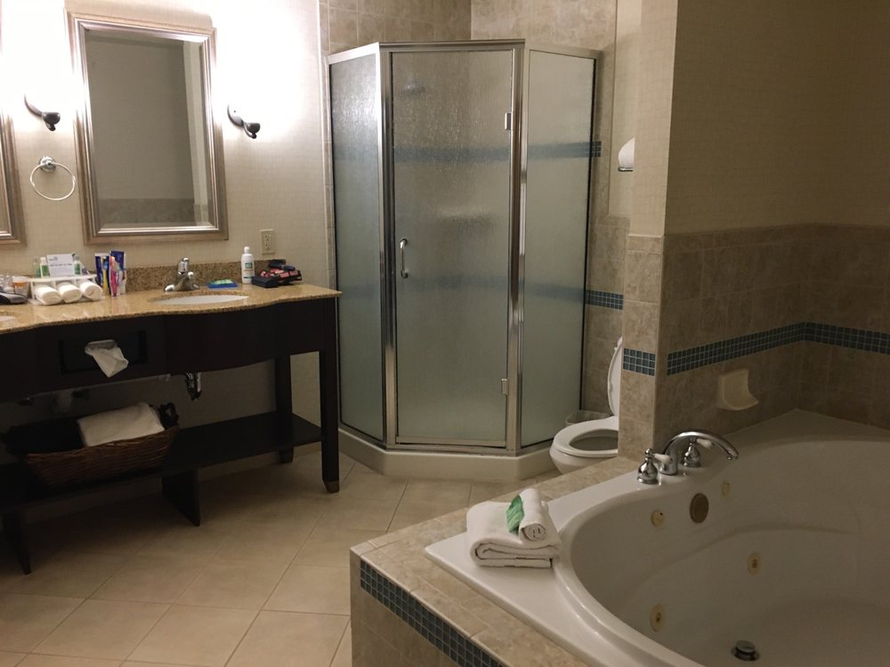 Holiday Inn Express & Suites Torrington: 1700 E Valley Rd, Torrington, WY