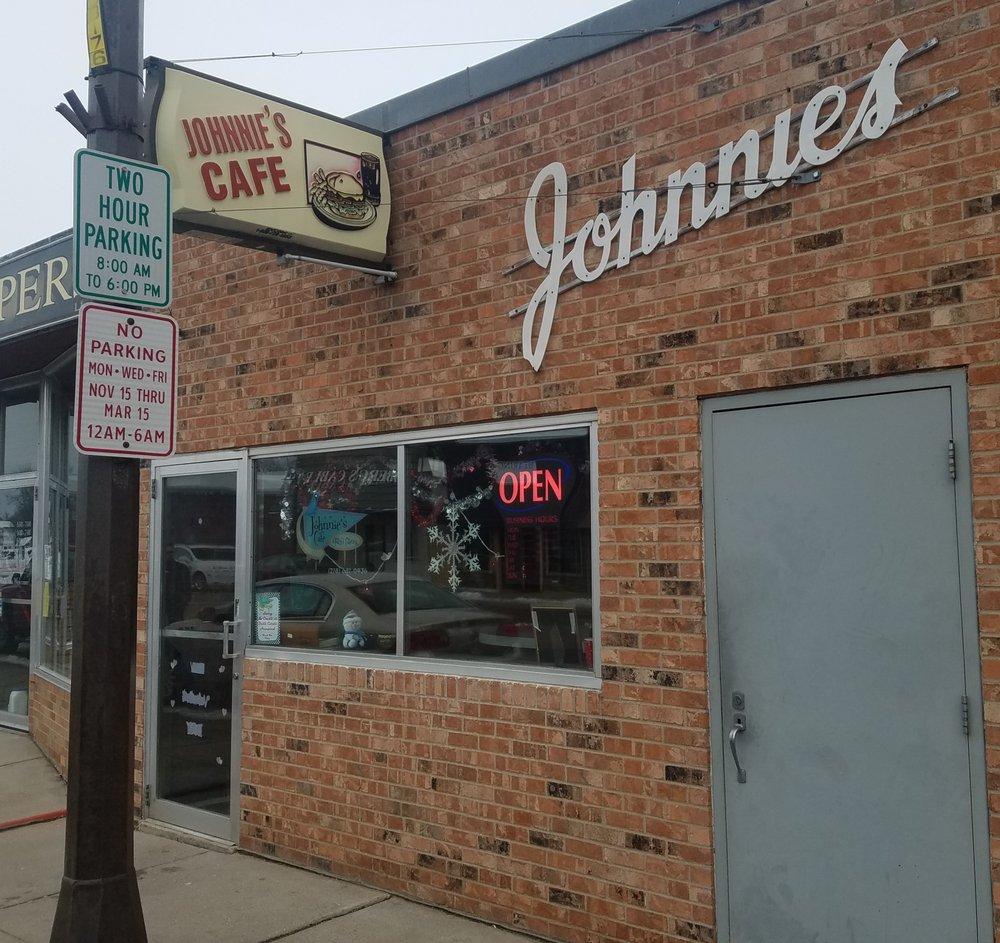 Johnnies Cafe: 304 Main Ave N, Thief River Falls, MN