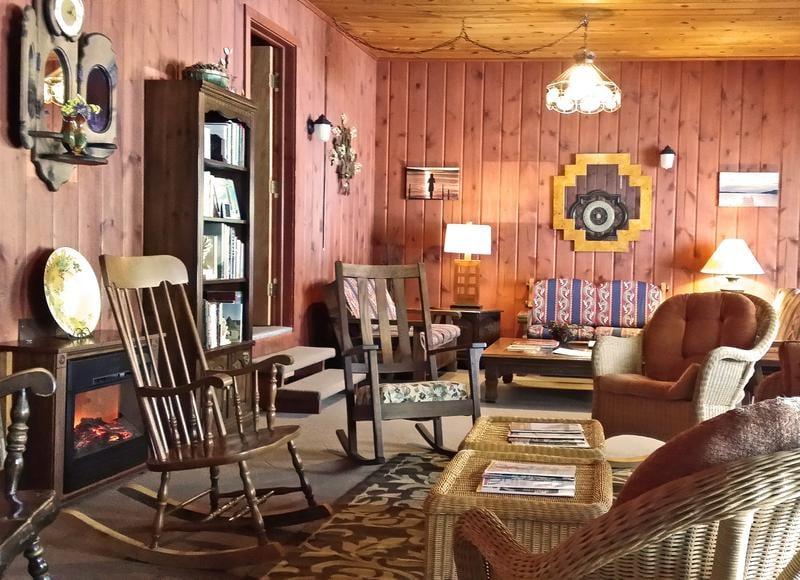 Elvyn Lea Lodge: 3780 M75 N, Boyne City, MI