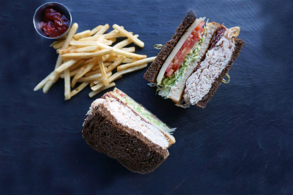 Slicers New York Deli: 4848 S Eastern Ave, Commerce, CA