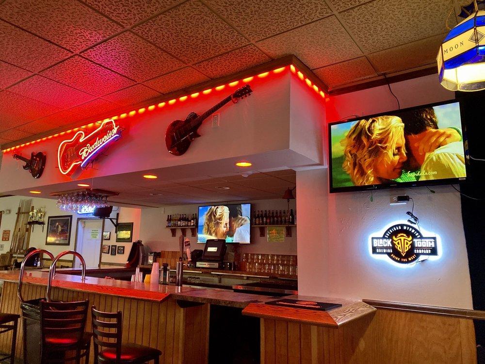 Peppermill Bar and Liquors: 1618 Stillwater Ave, Cheyenne, WY
