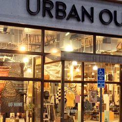 Urban Outfitters 35 bilder & 58 anmeldelser Dameklær