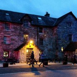 The Drovers Inn >> The Drovers Inn 65 Photos 29 Reviews Pubs Inverarnan