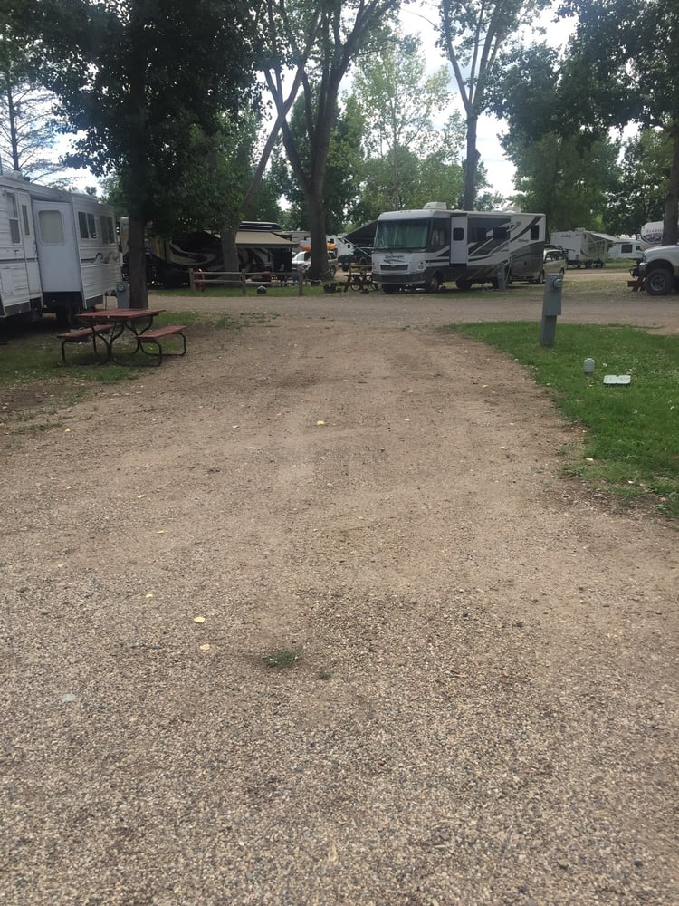 Roughrider Campground: 500 54th St NW, Minot, ND