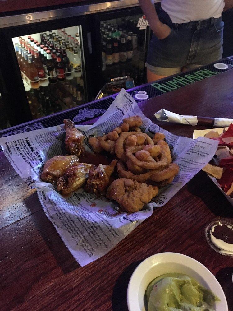 Legends Sports Bar & Grill: 600 N Main St, Oshkosh, WI