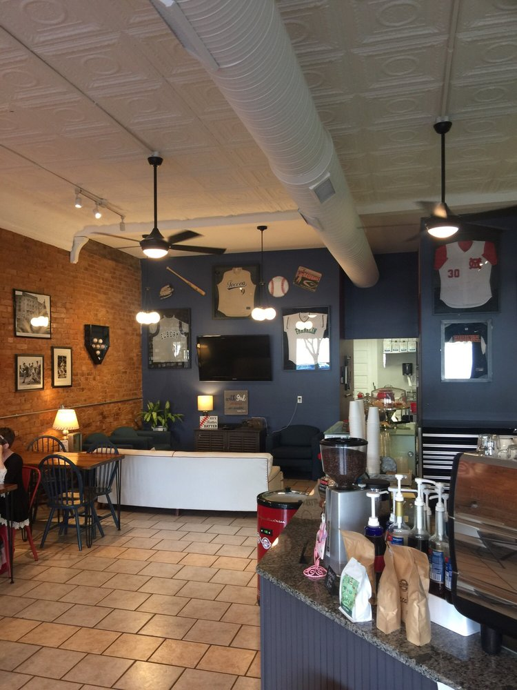 Centerfield Coffee Shop: 365 Railroad St, Royston, GA
