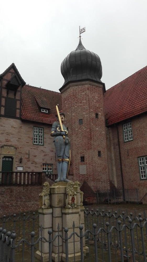 Burg Bederkesa - 10 Fotos - Museum - Amtsstr. 17, Bad Bederkesa ...
