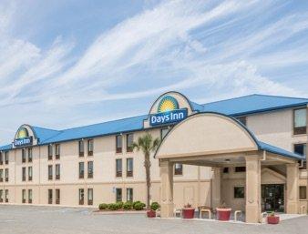 Days Inn by Wyndham Tifton: 1199 Hwy 82 W, Tifton, GA
