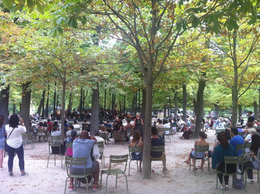 Concert de musique classique sur le kiosque du parc yelp for Piscine jardin du luxembourg