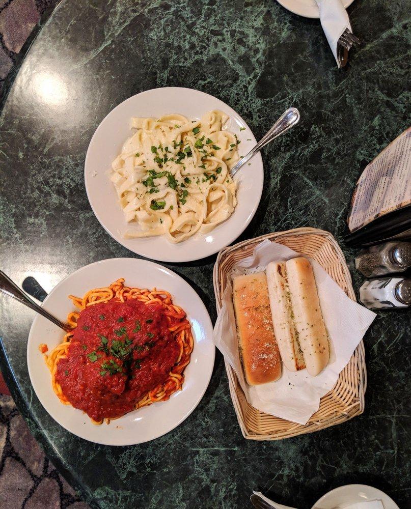 Piloni's Italian Restaurant: 1733 Lafayette Ave, Terre Haute, IN
