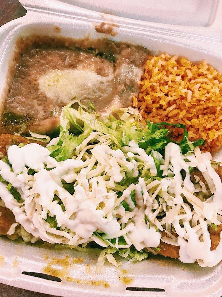 Food from Taqueria El Pueblito