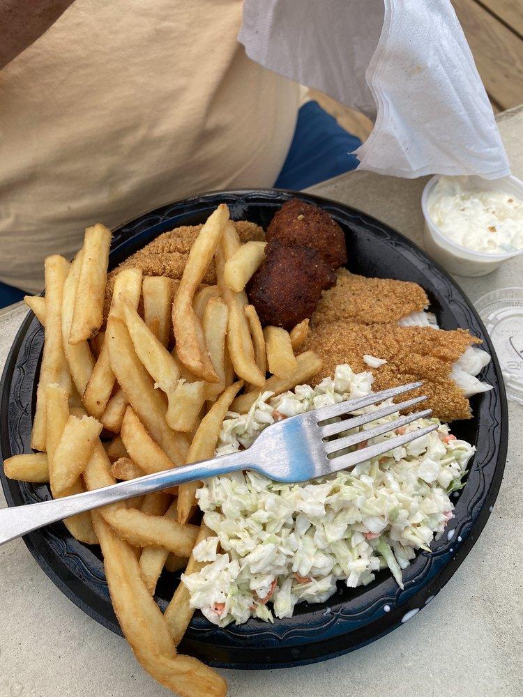 Wake Zone Restaurant And Marina: 6301 Stemley Bridge Rd, Pell City, AL
