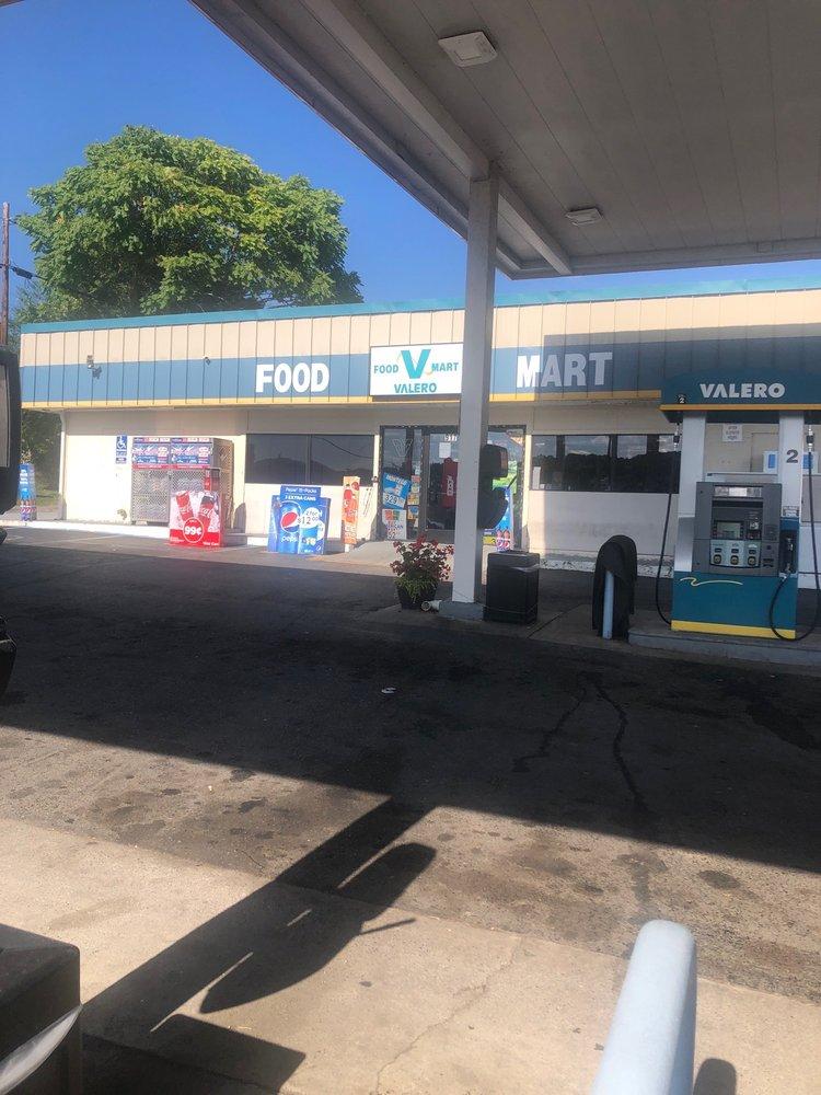 Valero Mart: 917 S Monroe Ave, Covington, VA