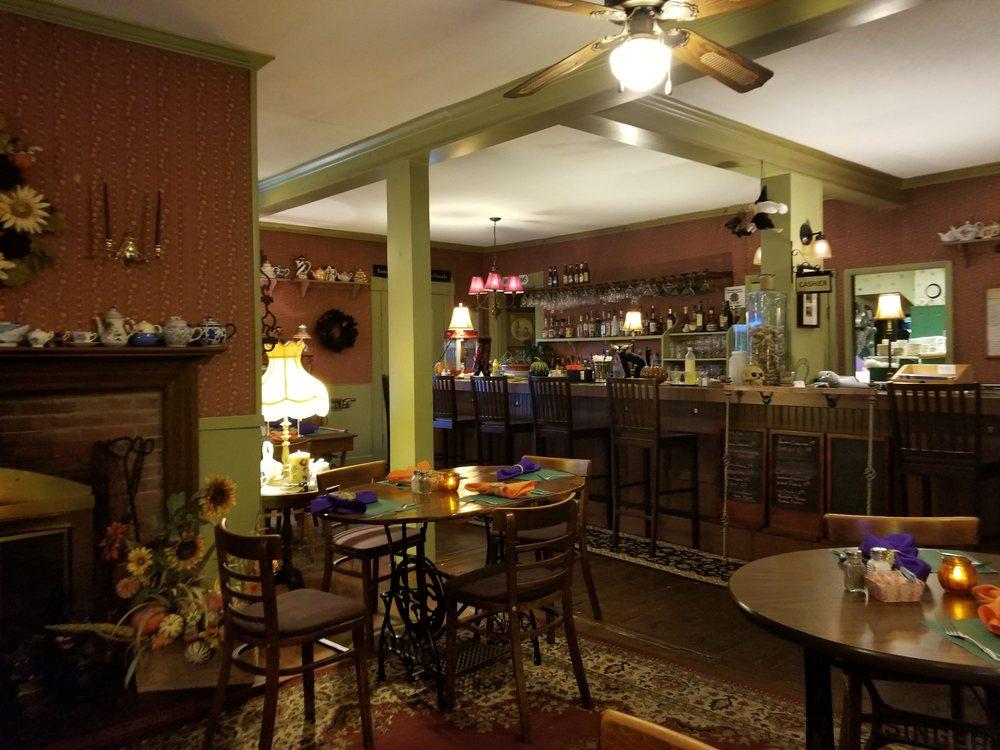 Danville Restaurant & Inn: 86 Rte 2 W, Danville, VT