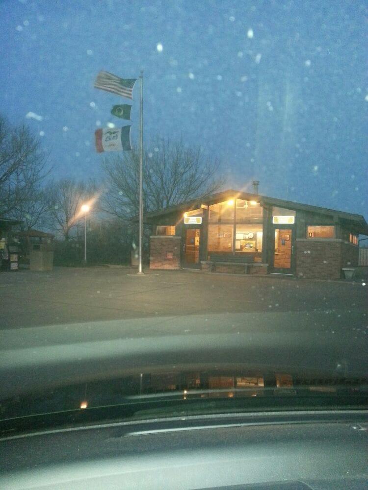 Tourist Interstate Info Center: I 80 E, Underwood, IA