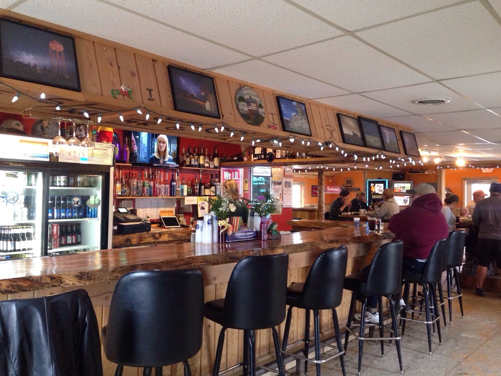 Froggies Bar & Grill: Valier, MT